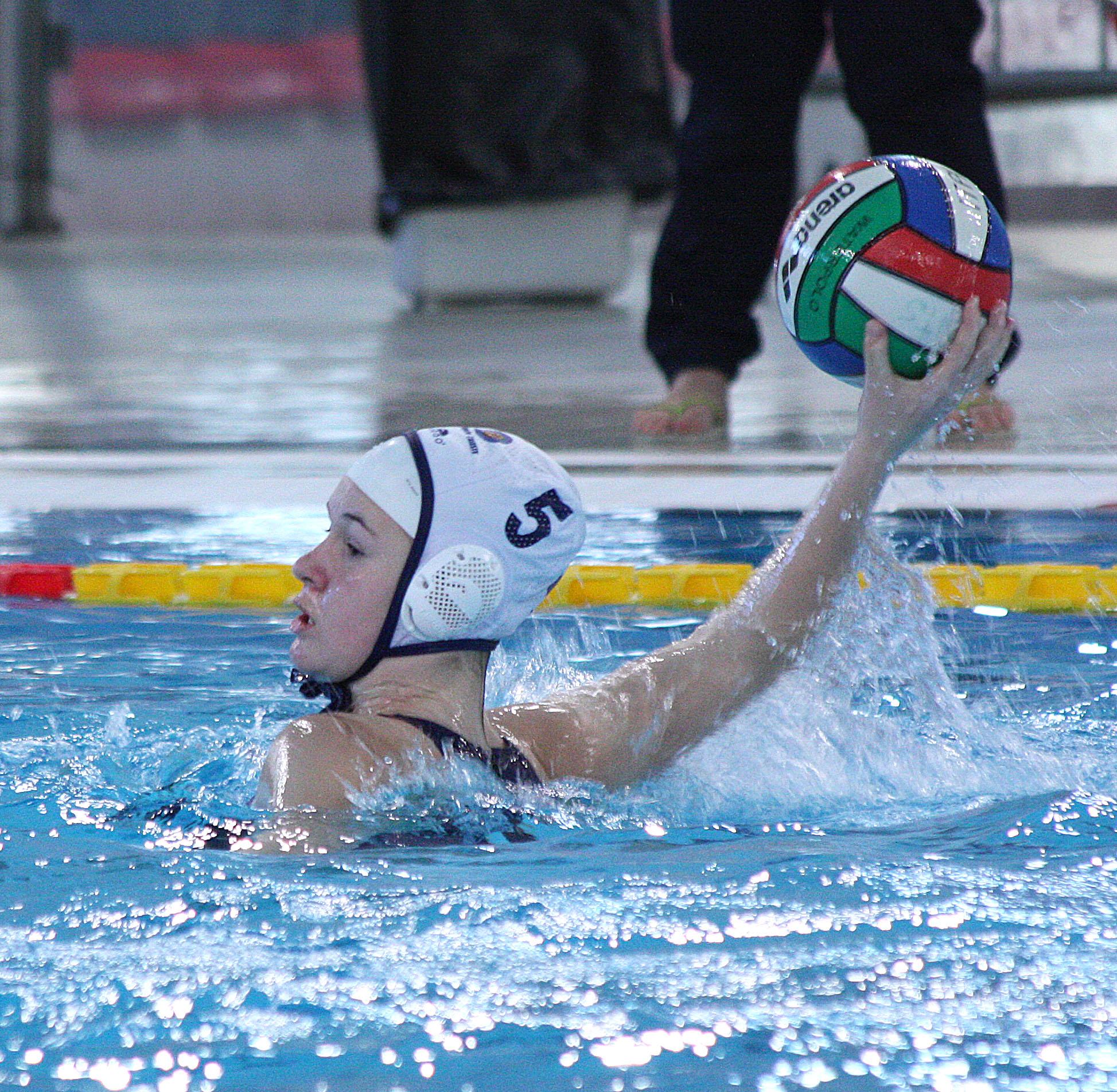 """Le """"orchette"""" di scena nella piscina Monte Bianco. Domenica 5 febbraio (ore 16.30) la Pallanuoto Trieste sfida il temibile Css Verona"""