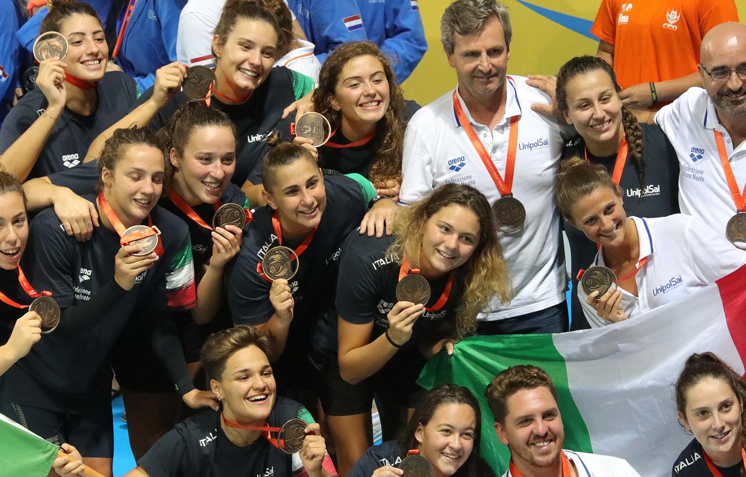 Pioggia di medaglie internazionali per le orchette della Pallanuoto Trieste
