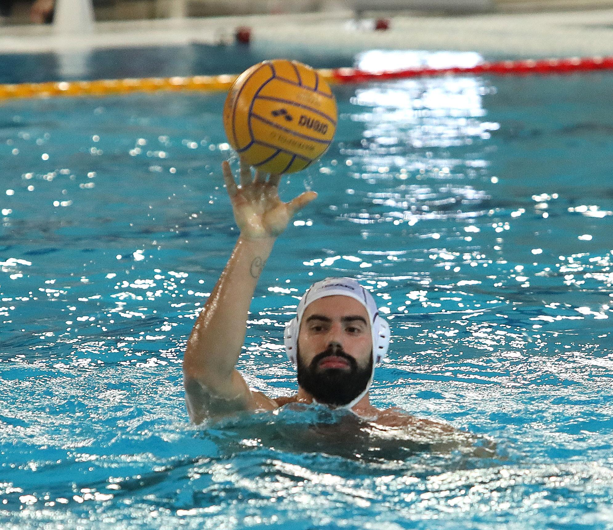 """Con il Posillipo non si passa. Nella piscina di Casoria Pallanuoto Trieste sconfitta piuttosto nettamente (13-7) dalla compagine partenoepa. L'allenatore Bettini: """"Buon avvio, poi abbiamo sbagliato tantissimo"""""""